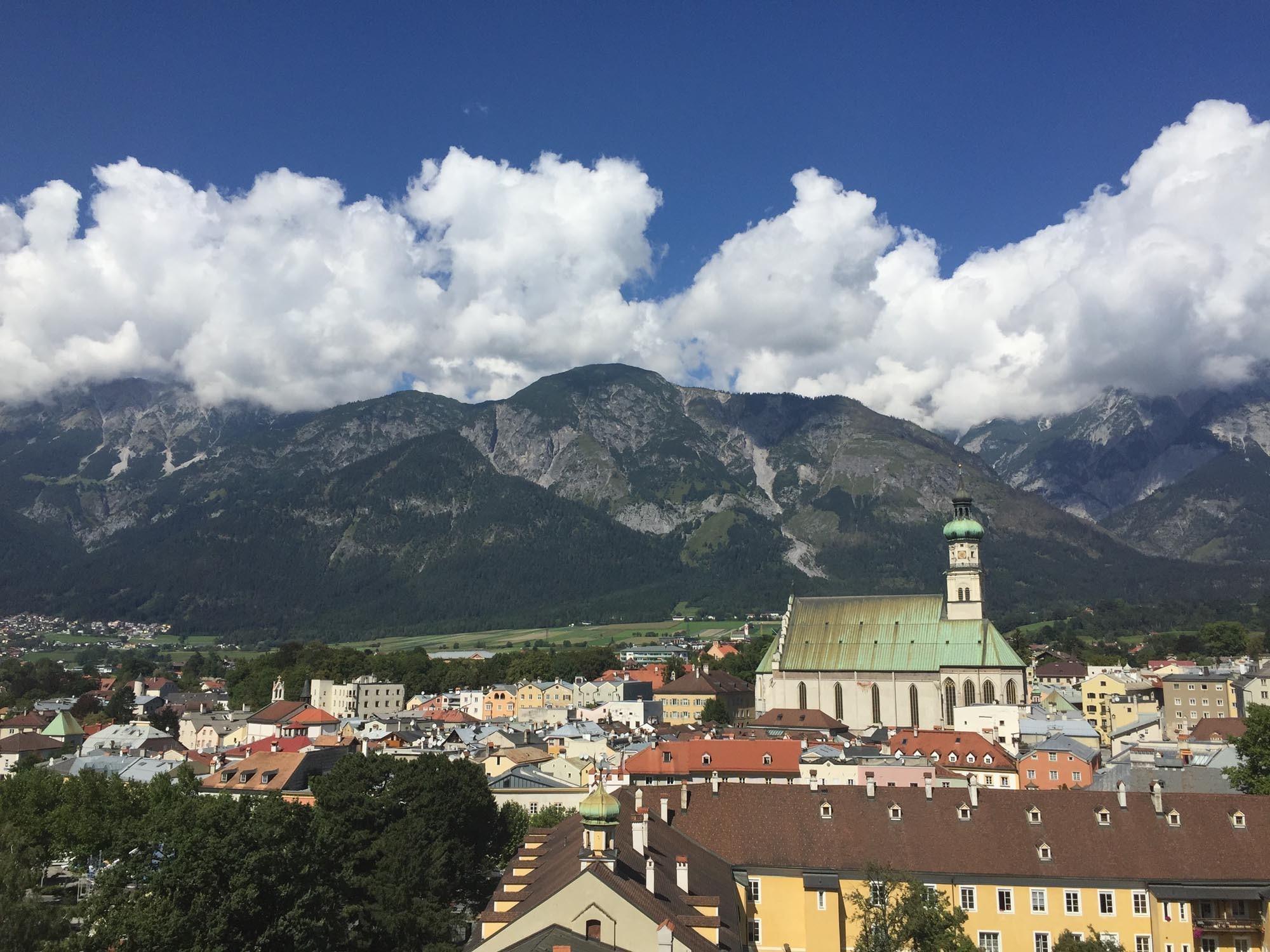 Blick vom Münzerturm auf Hall - Hotel Heiligkreuz