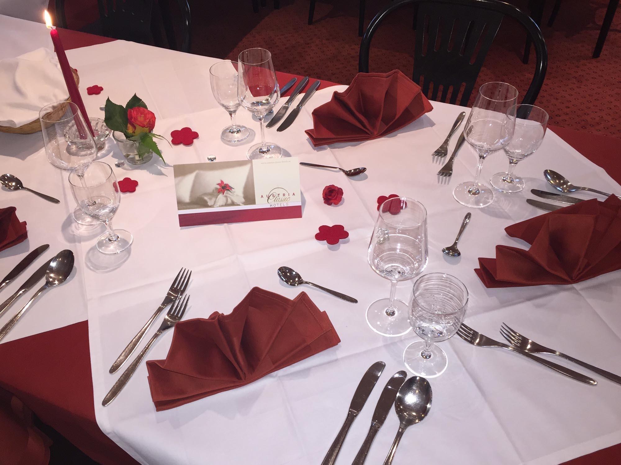 gedeckter Tisch - Hotel Heiligkreuz